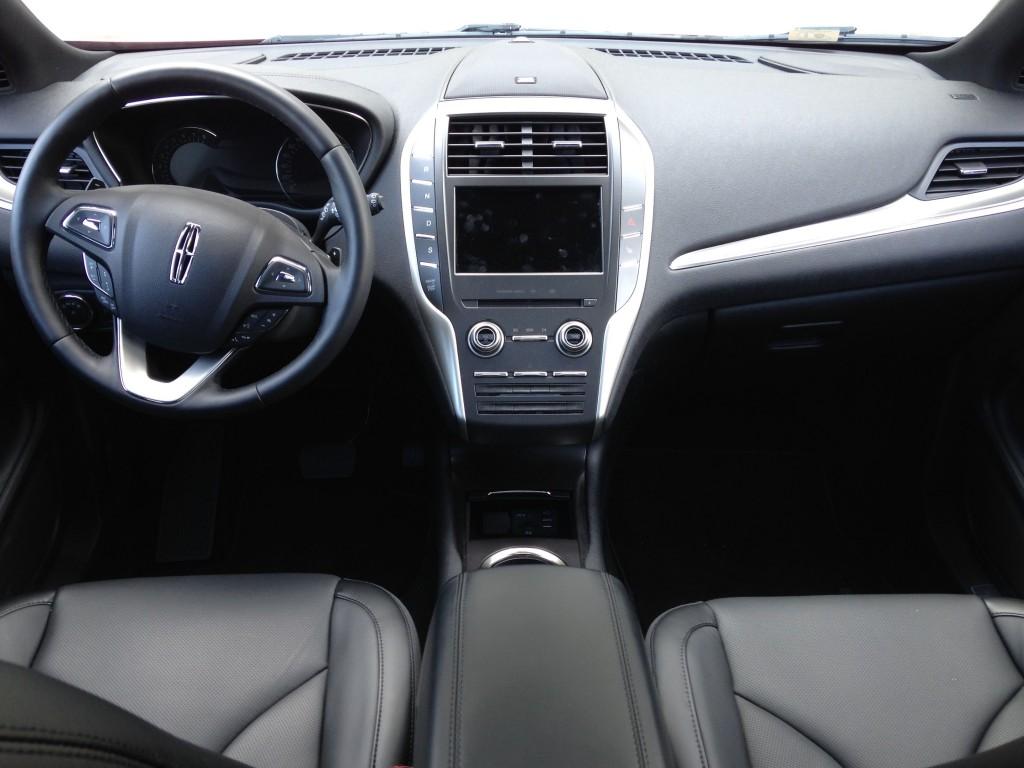 2015 Lincoln MKC cockpit