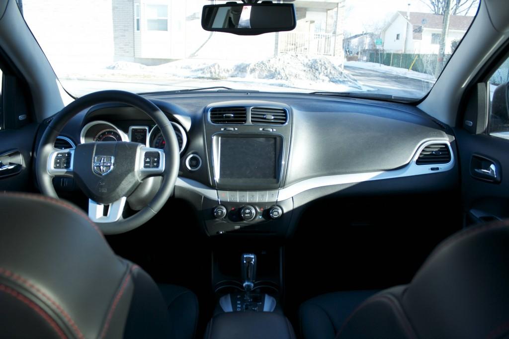 2014 Dodge Journey R/T Rallye cockpit