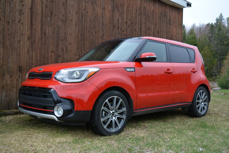 car review 2017 kia soul turbo trucks and suvs. Black Bedroom Furniture Sets. Home Design Ideas